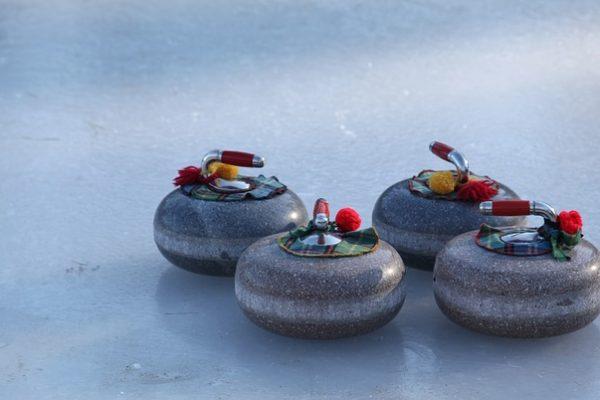 curling-882649_640