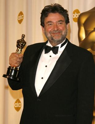 Exclusive – Oscar Winner Guillermo Navarro Presents Cocaine Godmother